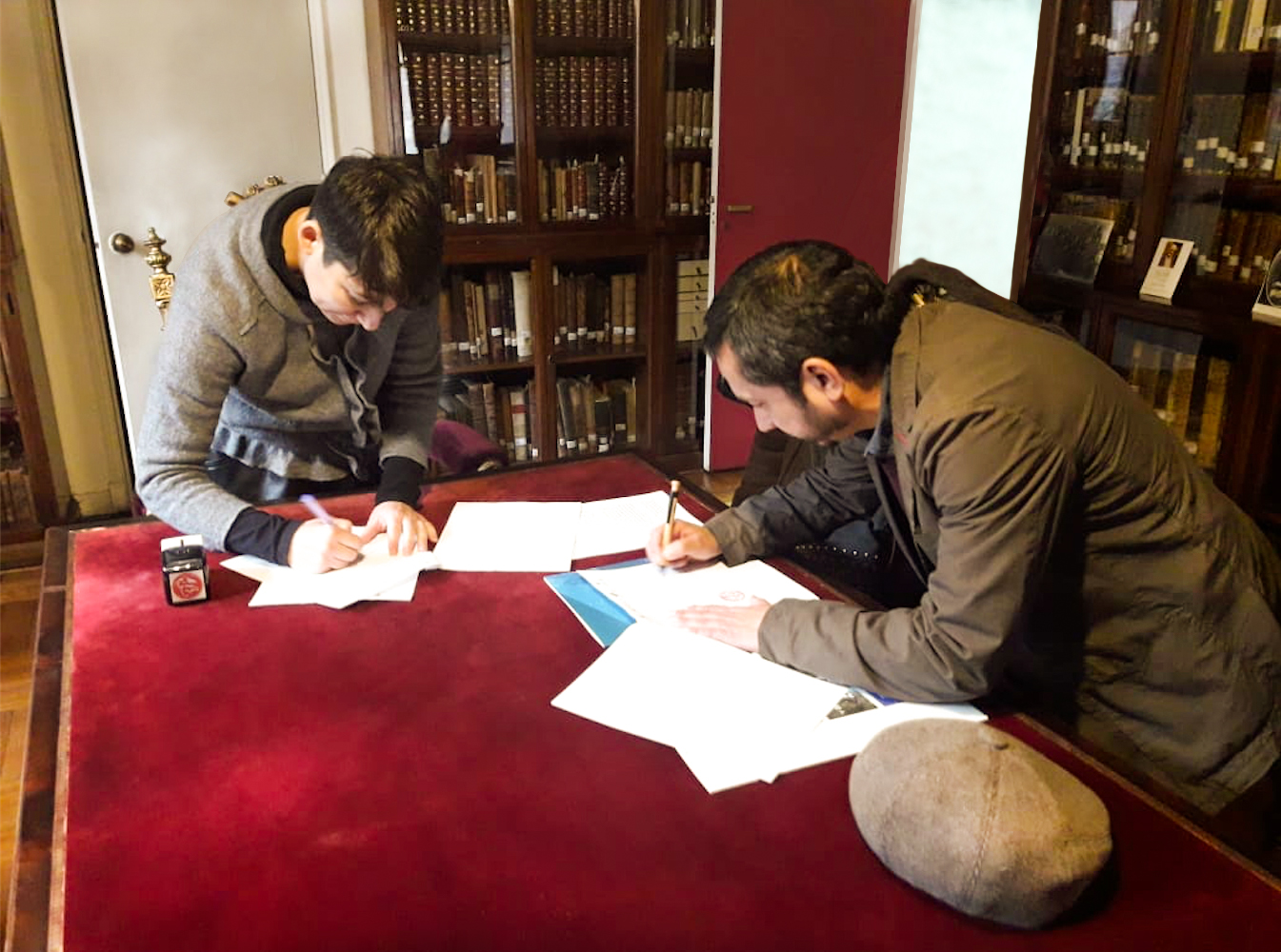 Convenio permitirá investigar y difundir la Colección de Caracolas de Pablo Neruda