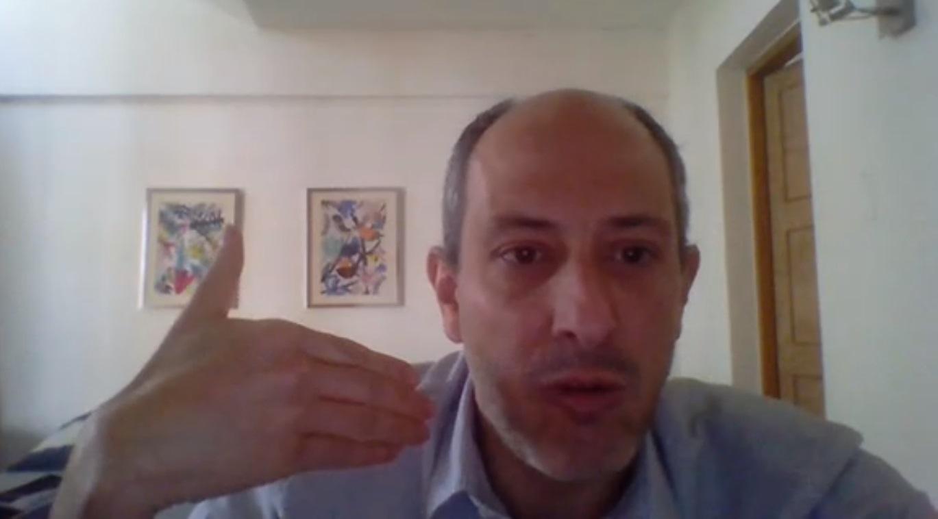 """Dr. Rodrigo Estévez: """"El 'estallido social' es una respuesta a la crisis del sistema democrático"""""""