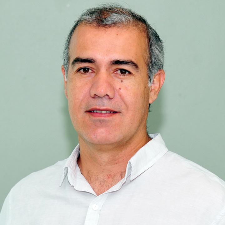 Julián Hermoyner Cáceres Villegas